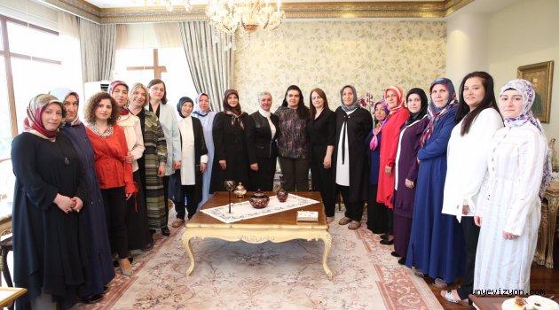Bayan Yavuz, Belediye Başkanlarının Eşlerini Ağırladı