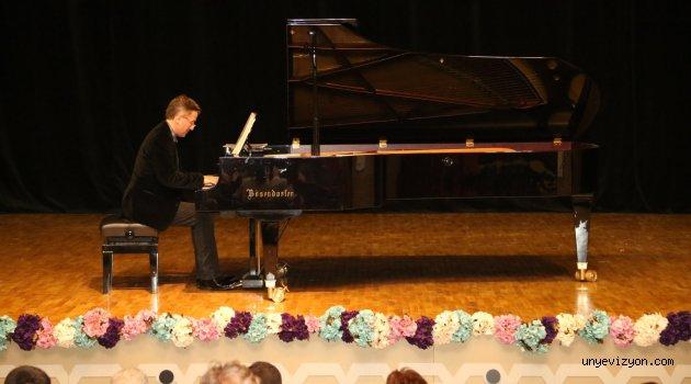 """""""Piyanonun Kralı"""" Ordulularla Buluştu"""