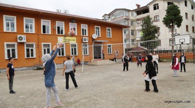 Perşembe'deki  Okullarda  Zil Çalınmıyor