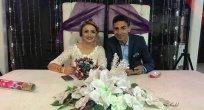 Evli Olduğu Eşiyle Yeniden Evlendi