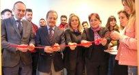 İhtiyaç Olan Öğrenciler İçin Üniversitede Giysi Mağazası Açıldı