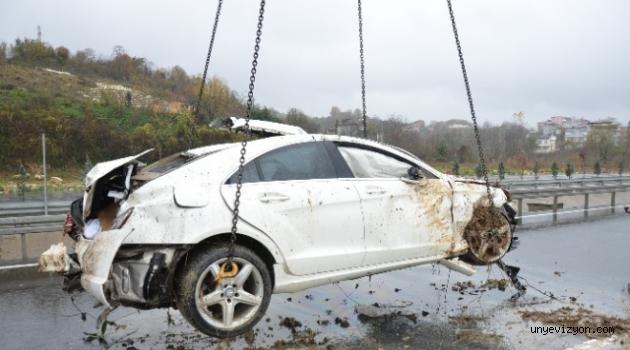 Ünye'de Otomobil Uçuruma Yuvarlandı: 1 Yaralı