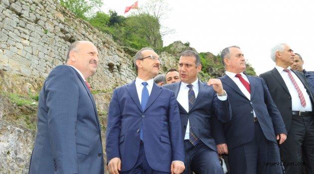 Vali'den kale için 1 milyon lira!