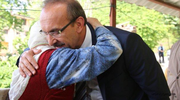 """Vali Seddar YAVUZ'un """"Anneler Günü"""" Mesajı"""