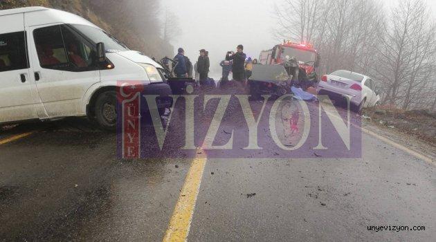 Yenikent'te Trafik Kazası: 2 Ölü